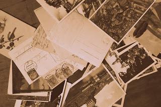 postcards-1365409_1920