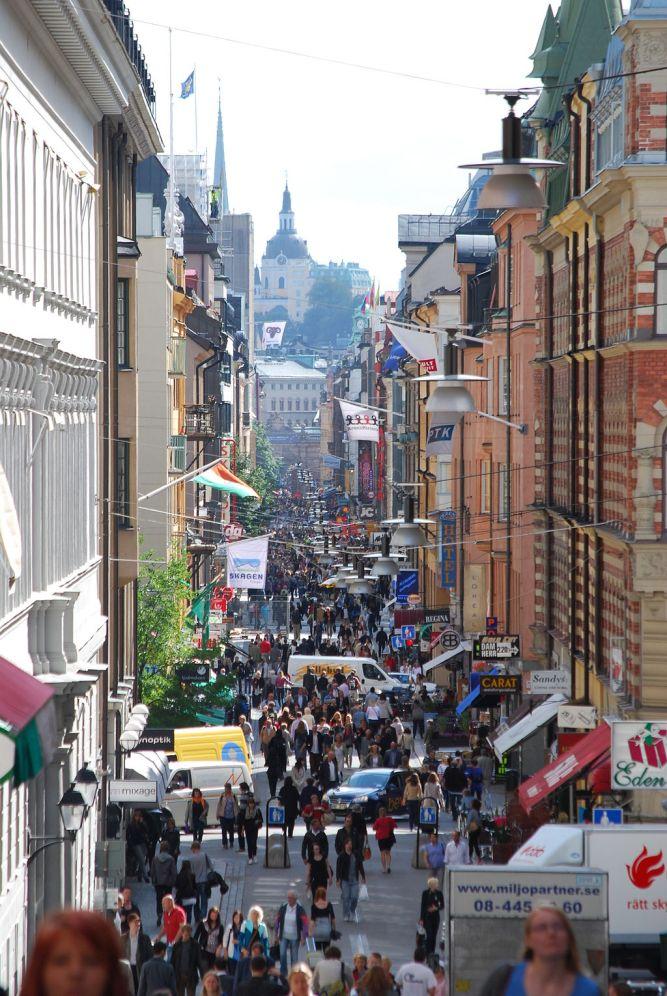 1024px-Drottninggatan_söderut