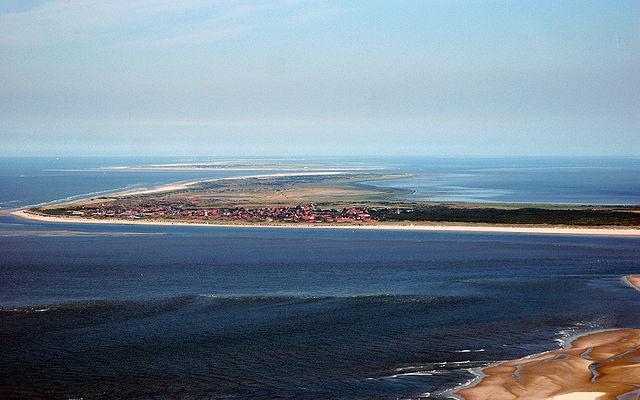 640px-Luftaufnahme_Langeoog