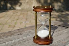 hourglass-2846643_1920 (1)