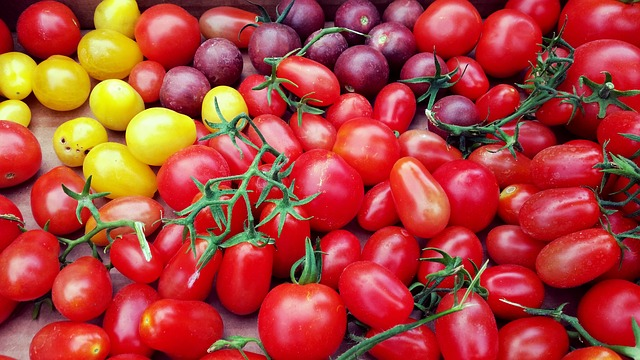 tomatoes-1345563_640